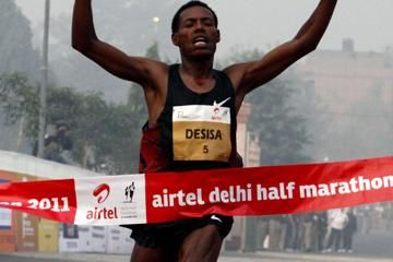 in-close-races-desisa-and-kabuu-prevail-in-ne