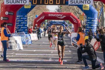 dereje-kiptanui-win-barcelona-half-marathon