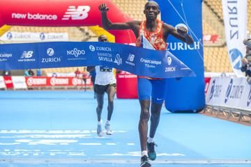 boulaid-tuwei-win-seville-marathon-2018