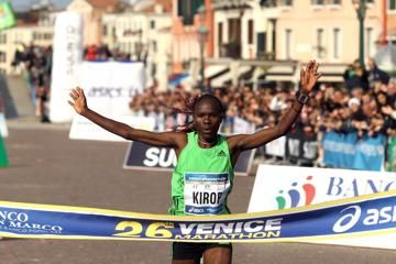 kirop-smashes-womens-record-in-venice