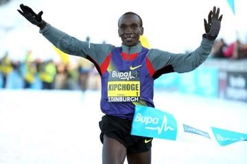 kipchoge-and-masai-prevail-in-snowy-edinburgh