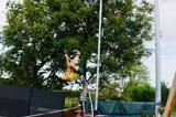 ultimate-garden-clash-pole-vault