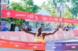kimetto-smashes-course-record-jeptoo-cracks-2